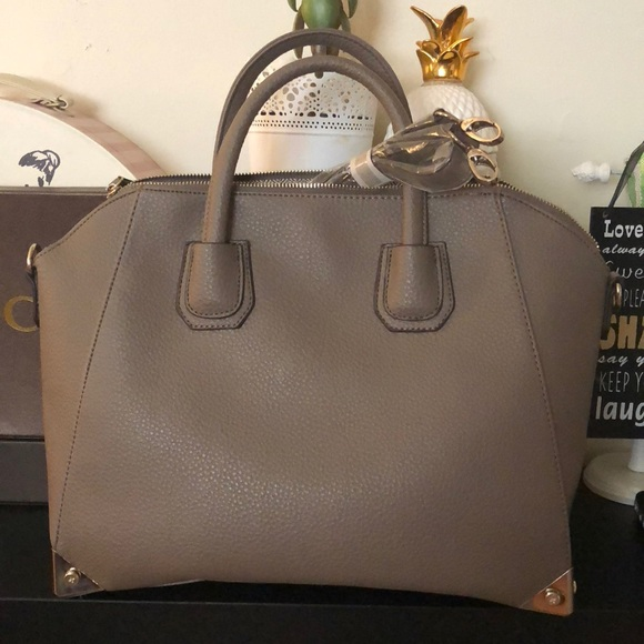 335f884bda8e Sold——- Super nice Bag!!!! NWT. JustFab